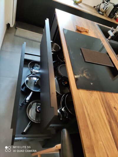 plaque de cuisson avec hotte intégrée elica
